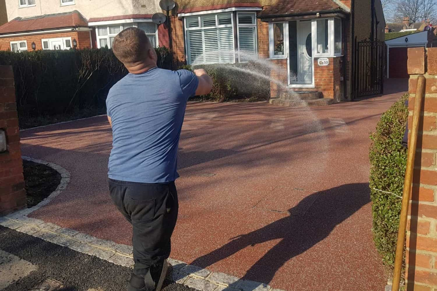 Setting resin bound driveway
