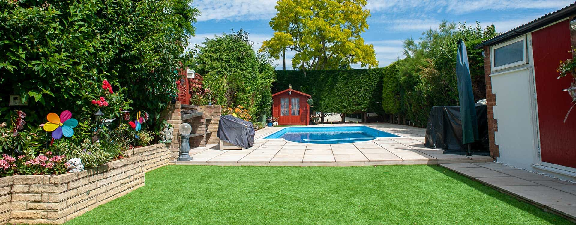 landscaping small garden with swimming pool